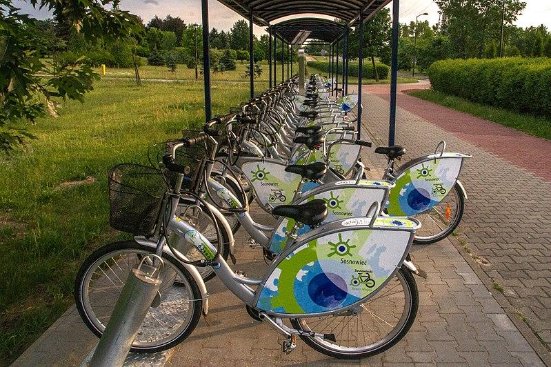 800px-Sosnowiecki_Rower_Miejski_Park_Srodula726